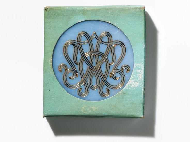 Estée Lauder's original gift with purchase, 1959