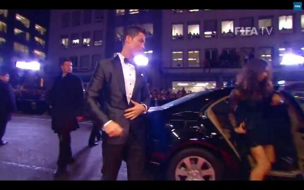 L'arrivo di Cristiano #pallonedoro pic.twitter.com/lx9Rf1z9fu
