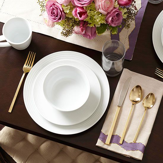Plan a romantic at-home dinner date for Valentine's Day with our steps for setting the mood, plus our best recipes and thoughtful gift ideas.