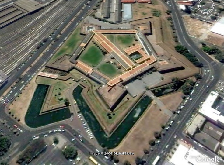 Close By Cape Town S Main Railway Station Is The Castle Of
