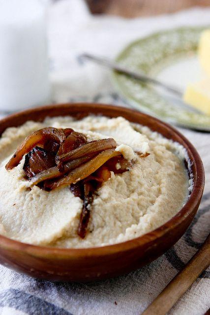 Brown Butter and Caramelized Onion Mashed Cauliflower by runningtothekitchen #Cauliflower #Paleo