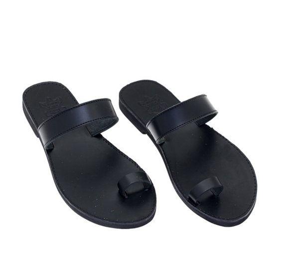 Les femmes d'orteil anneau sandales en cuir, sandales en cuir noir grecque, les sandales en cuir, sandales gladiateur, chaussures en cuir.