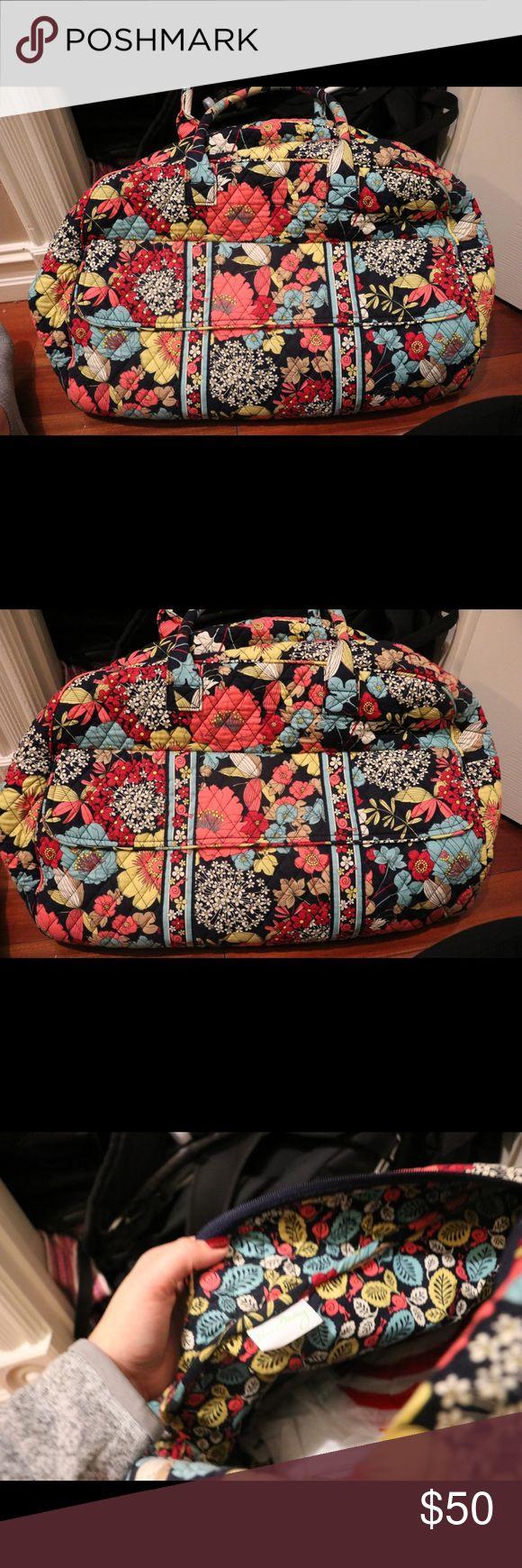 Vera Bradley Duffel Super cute & in great condition! Vera Bradley Bags Travel Bags