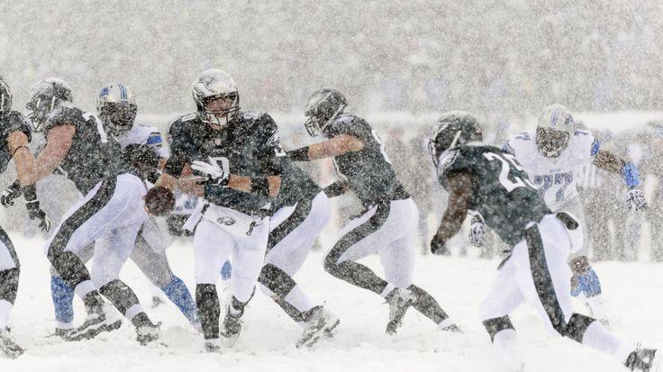 snow pictures of eagles v lions | Lions vs. Eagles 2013 final score: Philadelphia dominate Snow Bowl, 34 ...