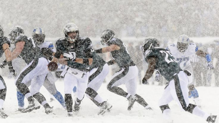 snow pictures of eagles v lions | Lions vs. Eagles 2013 final score: Philadelphia dominate Snow Bowl, 34 ...