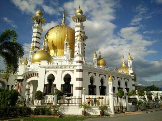 Masjid Ubudiah in Kuala Kangsar, Malaysia was built by the British in 1913