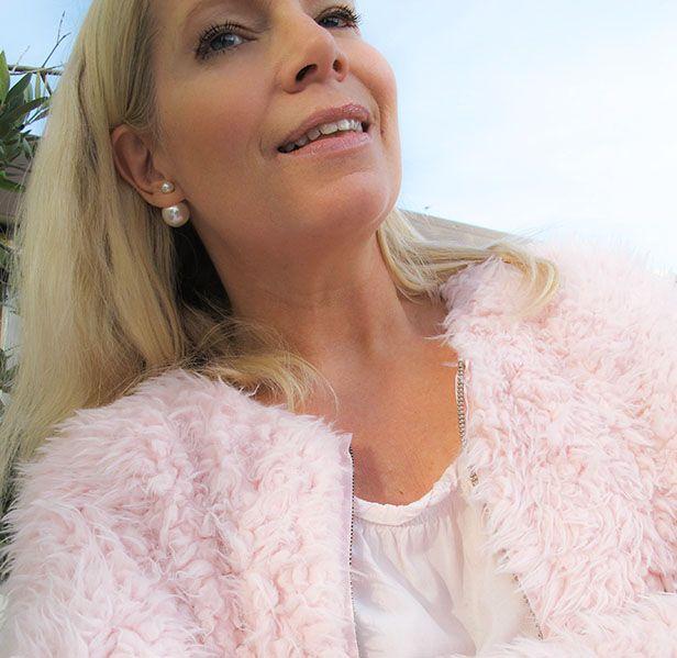 Soulcityguide | Double pearl earrings fluffy pink jacket | http://soulcityguide.com/2014/10/outfit-of-the-day-205/