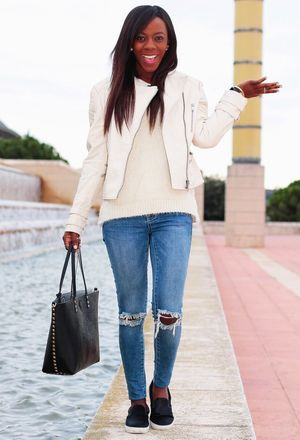 Look by @badman with #sneakers #leather #casual #invierno #jacket #office #jeans #top #frio #camel #tenis #pantalones #streetstyle #white #vaquero #jackets #comfy #college #gris #diario #azul #ripped #panchas #outfits #look #looks.