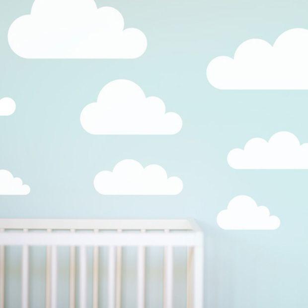 Aprenda a fazer uma parede de nuvens com estêncil. A ideia é perfeita para quem está em busca de algo criativo, mas nada muito ousado na decoração!