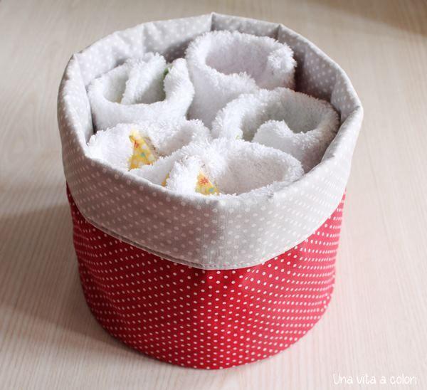 Crea i tuoi cestini in stoffa con questo semplice tutorial ed organizza la casa prendendo spunto dalle tante idee indicate. Non riuscirai a farne a meno.