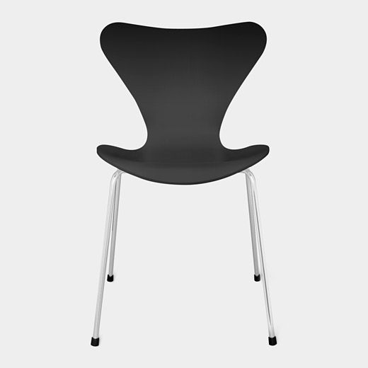 1000 images about arne jacobsen on pinterest cocktail shaker chairs and the egg. Black Bedroom Furniture Sets. Home Design Ideas