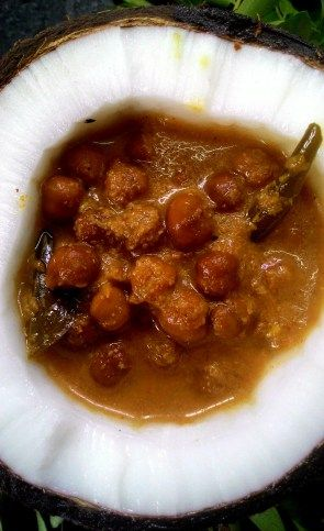 Kerala Kadala Curry – Coconut Black Chickpea Curry  Recipe at: http://thetastesofindia.com/kerala-kadala-curry/
