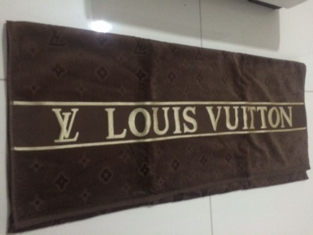 Louis Vuitton Towel Beach Towel New Bath Unbedingt