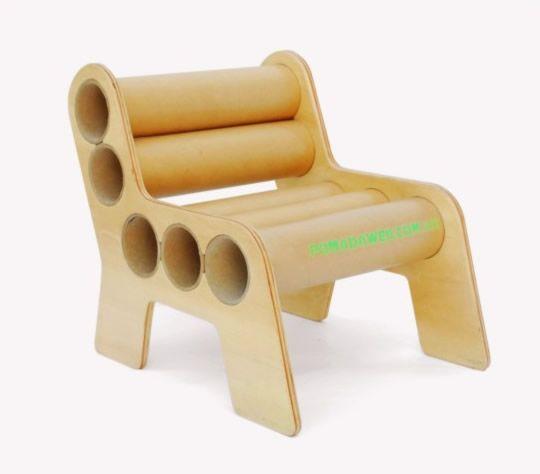 Pomada, muebles de cartón