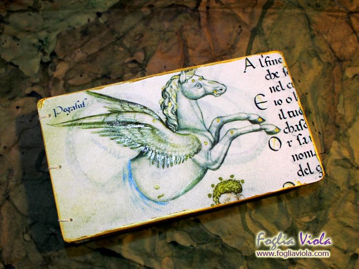 Medieval Whisper collection Pegaso #bibliophilia #middleages #pegaso #equino #cavallo #horse #wings #ali #fantasy #handmade #notebook #book #journal #medieval #medioevo #antique #manoscritto #vintage #nature #elegant #matrimonio #wedding #art #design #copticstitch