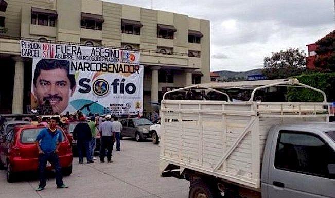 Sin recaudación de impuestos en Chilpancingo por la CETEG - http://notimundo.com.mx/estados/sin-recaudacion-de-impuestos-en-chilpancingo-por-la-ceteg/25414