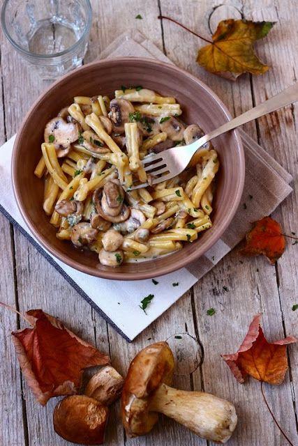 {Mushrooms with gorgonzola cheese.}
