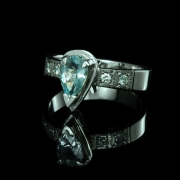 IF pear-cut aquamarine and diamonds set in white palladium gold 14k.