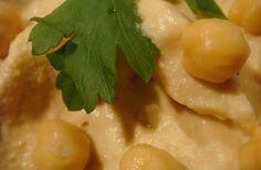 Marie.Charlotte se nourrit essentiellement de houmous, une pâte de pois chiches à l'ail, originaire du Proche-Orient. Elle dévoile sa recette maison, en exclusivité mondiale pour madmoiZelle.com