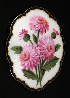 Gustav GAUDERNACK (1865-1914) Nål i sølv og emalje med blomstermotiv.