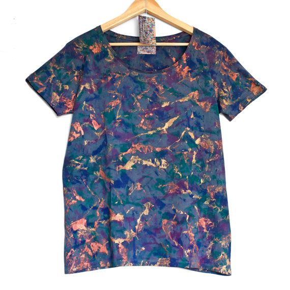Tapa cobre brillo. Camiseta cuello abierto de damas. Orgánica de las mujeres t-shirt de algodón. Cobre. Gris. Púrpura. Azul.    Preguntar  30,81 €