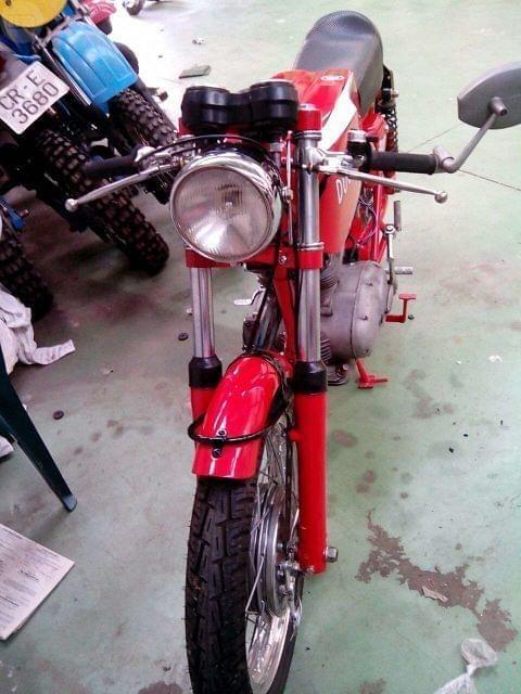 Vengo Ducati 250 24 horas del a�o 71, la moto esta impecable, toda una marivilla para el que le gusten las motos clasicas. Se atiende wassap
