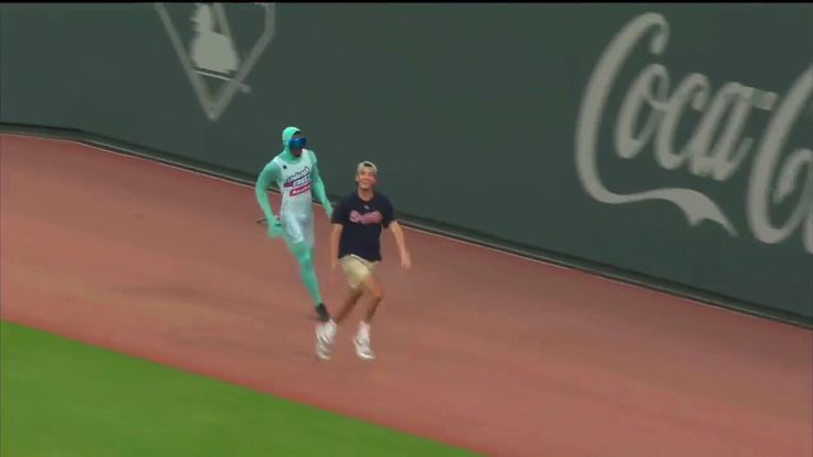 Frozone foils a villain at the Braves game last night. http://ift.tt/2rcsTzi #lol #funny #rofl #memes #lmao #hilarious #cute