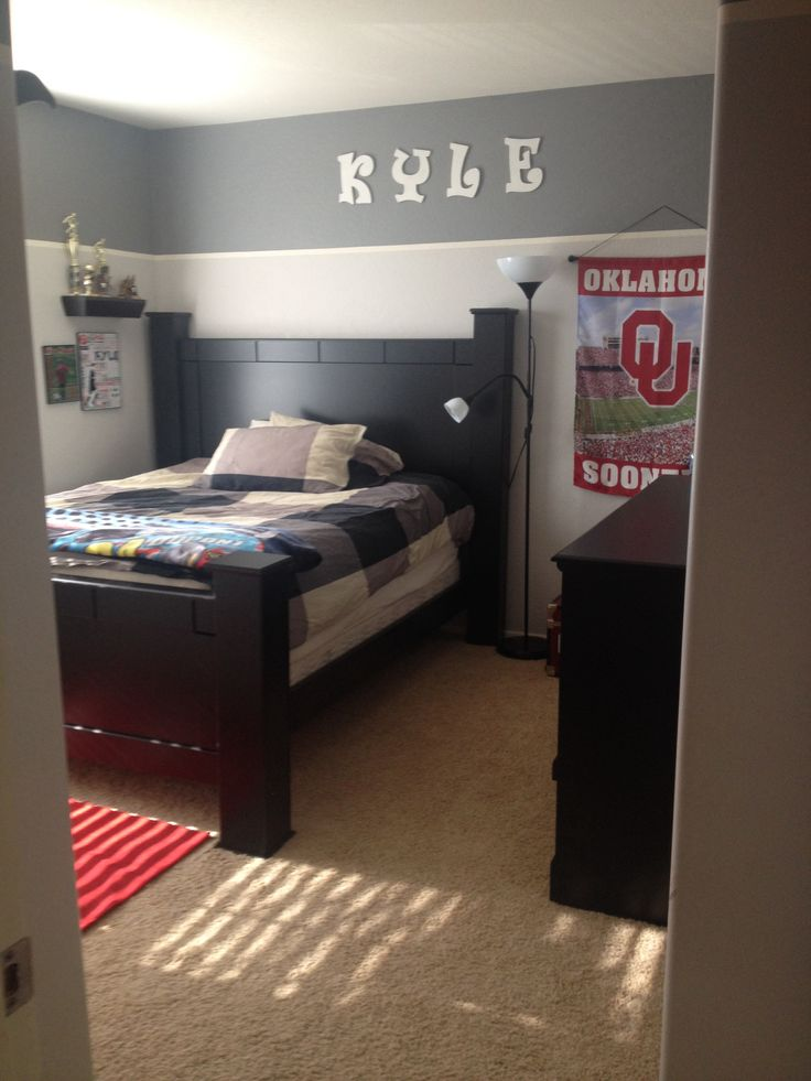 Best 25 two tone walls ideas on pinterest two toned - Teenage male bedroom decorating ideas ...