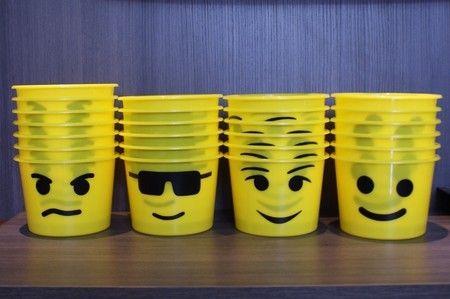 Balde Decorado Lego 1,5L Para decorar as mesas da sua festa, ou ainda como balde de pipoca para lembrancinhas.