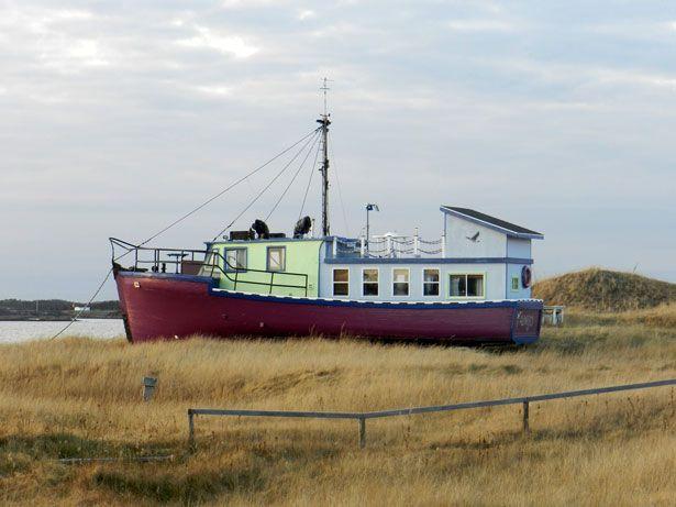 Le bateau-chalet de Jacques Lachance à Natashquan