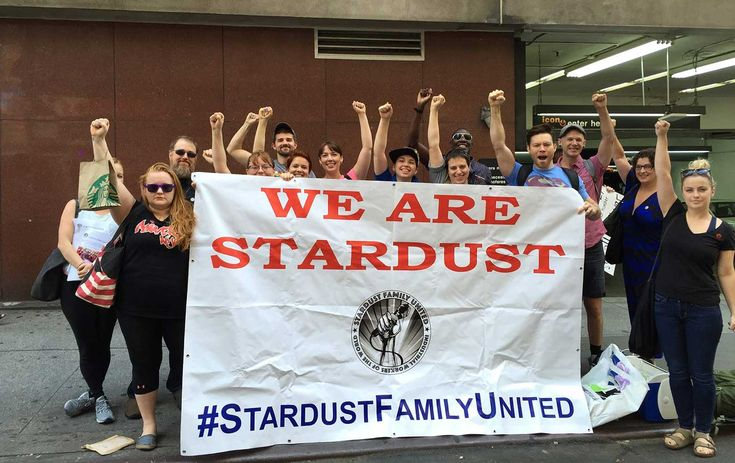 """Here's One Union That Can't Be Touched by 'Right to Work' Laws  Between thrilling customers with their repertoire of Broadway hits, servers at Ellen's Stardust Diner have formed a """"solidarity union"""" to fight for better working conditions."""