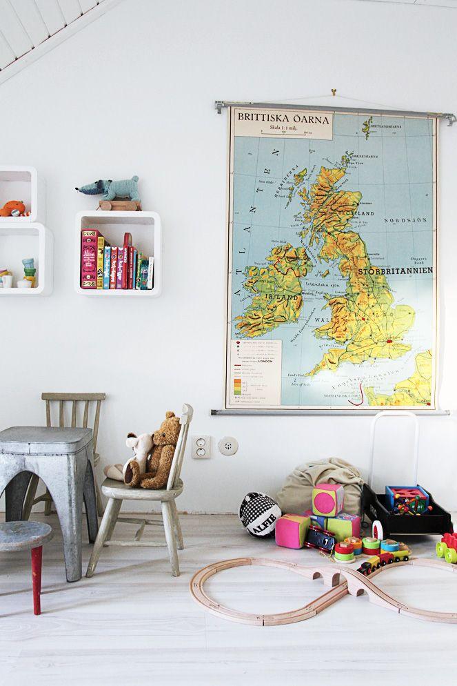 maps wall