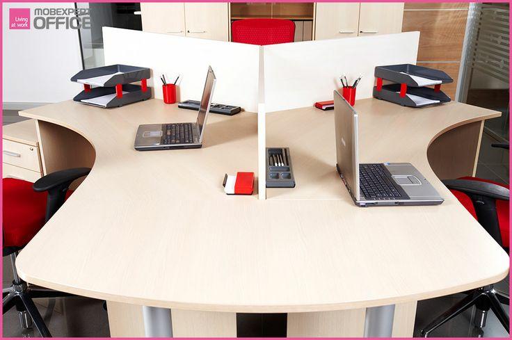 #Știațică: trebuie să schimbați periodic locul telefoanelor, lămpilor și laptop-urilor de pe birou. Acestea sunt prevăzute cu suport de cauciuc, care poate provoca decolorarea sau lipirea acestuia de lemn.