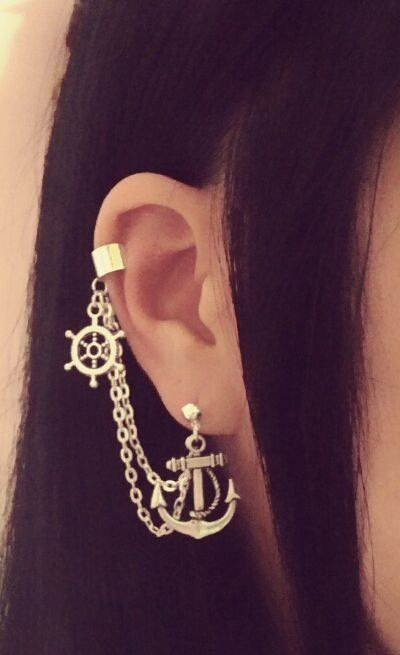 Anchor And Wheel Cartilage Chain Earrings
