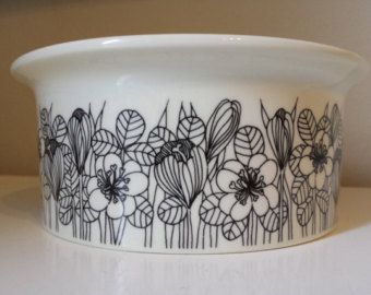 "SALE 28% - ""Krokus"" casserole or ovenware bowl from Arabia Finland (1978-1979), designed by Esteri Tomula"