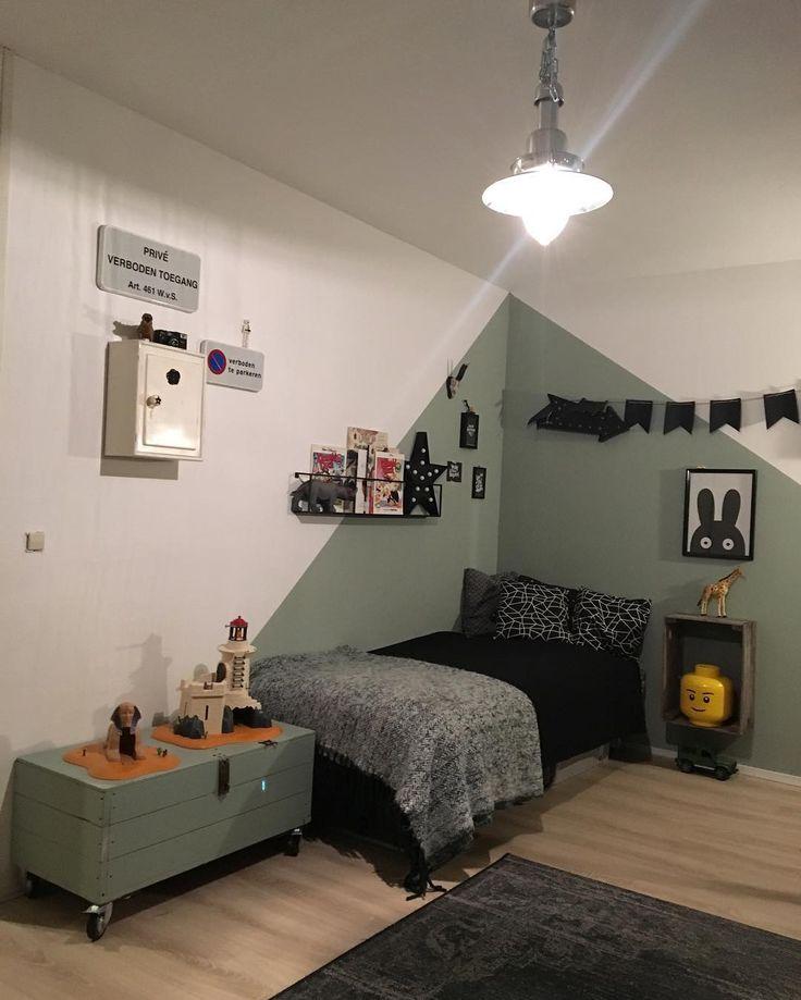 25 beste idee n over groene slaapkamers op pinterest groene slaapkamer decor groen for Kleur kinderkamer