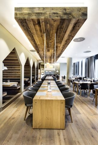 Sansibar by Dittel Architekten - News - Frameweb. Community tables, and check out those booth alcoves!