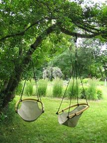 Ceechair hanging tree swing made in Wisconsin, available in several colors and patterns.
