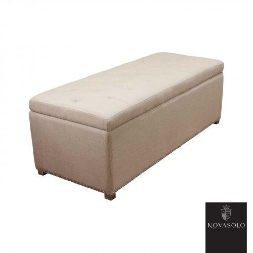 Lekker og klassisk Avignon sengebenk med nagler, knapper og ben i hvitvasket eik.