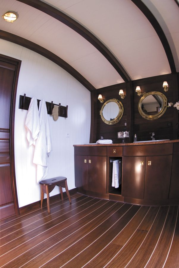 11 best salle de bains images on pinterest bathroom sailors and dune. Black Bedroom Furniture Sets. Home Design Ideas