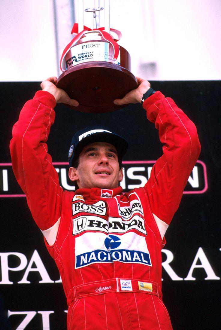 Ayrton Senna. Um exemplo de excelência e sucesso para nós brasileiros.