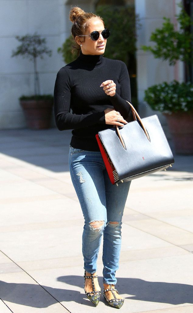 Los costosos bolsos Louboutin de Jennifer Lopez
