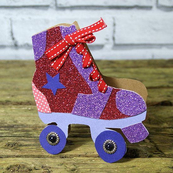 see our tutorial to create this cool roller skate card