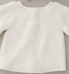 Brassière bébé, modèle de base (rangs raccourcis) ~~ Baby sweater, basic pattern (worked sideways with short rows) ~~ Full instruction in French (free written pattern)