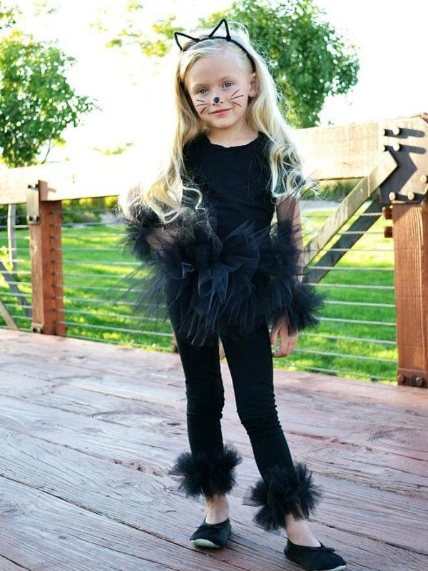sweet black Halloween costume for sweet kids with hat and long hair