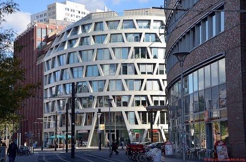 Berlin - Bürohaus Henriette-Herz-Platz 3 von Ernst Grüntuch