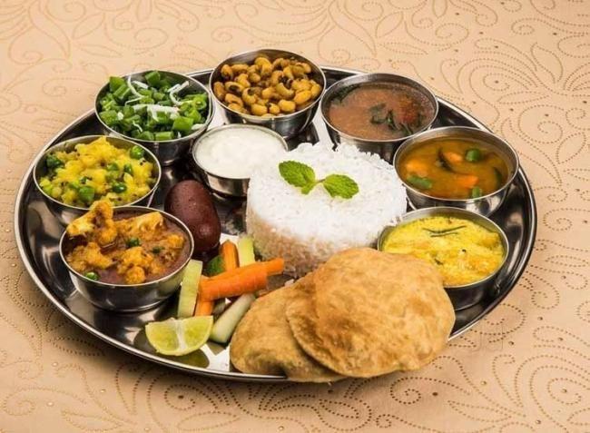 Best Places To Eat In Delhi Delhi Famous Food Restaurants Chicago Food Food Vegetarian Diet Plan