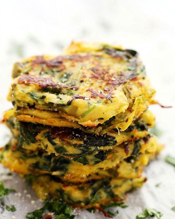24. Spinach, Kale, and Spaghetti Squash Fritters #comfortfood #squash #spaghettisquash #vegetarian #vegetarianrecipes http://greatist.com/eat/spaghetti-squash-recipes
