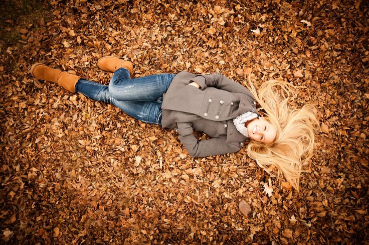 senior_girl_fun_vintage_laying_down_fall_colors_leaves_grey_coat_creative_unique_classic_portraits_photography_photographer_pictures_-(01)f.jpg (1200×800)
