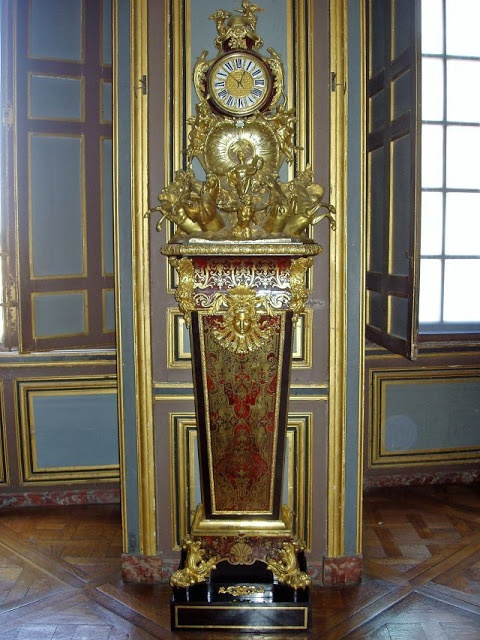 Clock by cabinet maker boulle dated circa 1725 ch teau for Chambre louis xv